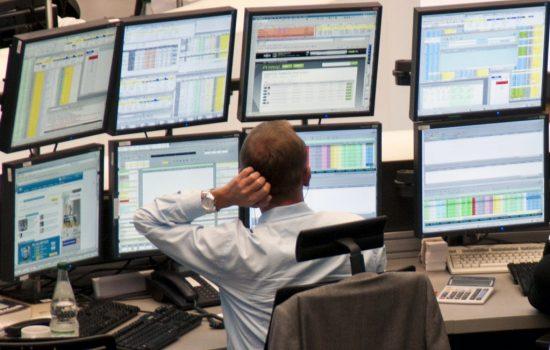 Hanno ragione i giornalisti o gli analisti finanziari?